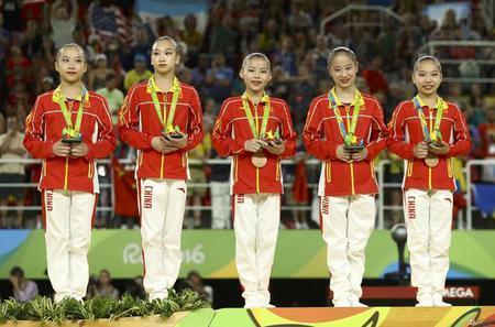 而今届的里约奥运会最闪耀的品牌 运动服定制是来自中国的,现在就来跟图片