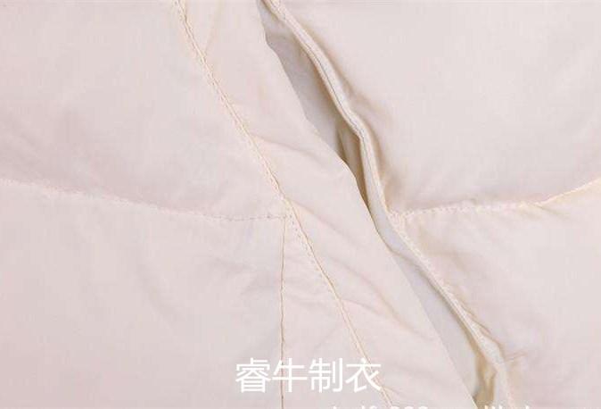 如何打理白色羽绒服