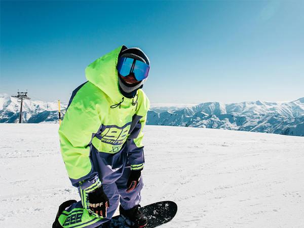 滑雪服厂家告诉你滑雪为什么要穿滑雪服
